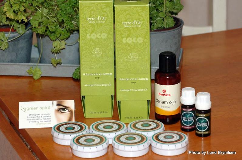 Terre d'Oc massasjeolje og sheasmør fra Green Spirit, og eteriske oljer!